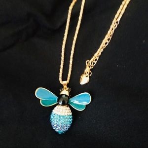 "🌺Super Cute Blue Crystal Bee 28"" Pendant Necklace"